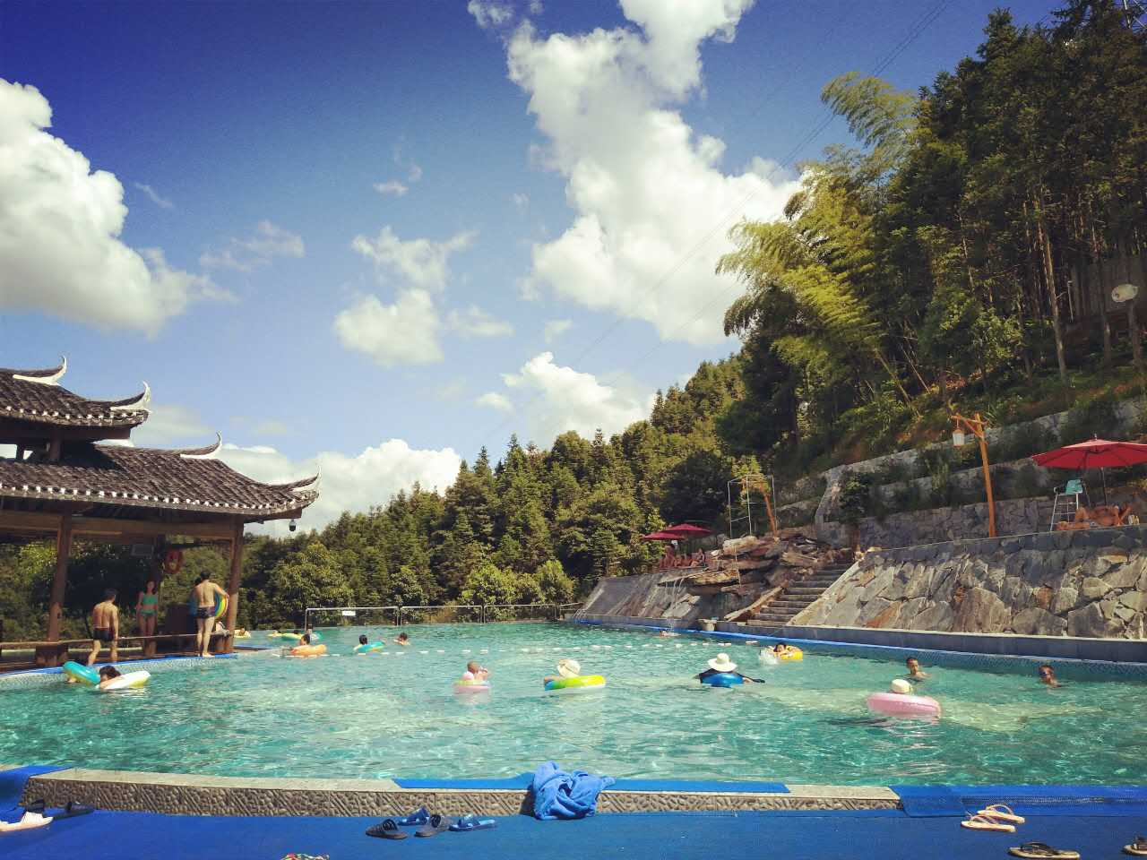 枫香瑶寨高山泳池
