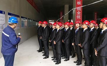 石家庄铁路职业技工学校学生参观地铁施工