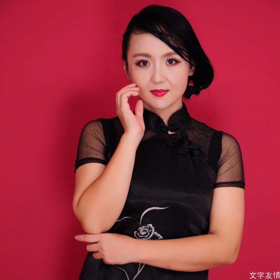 一个用美貌和才华导创人生的女艺人——演员李晴简介